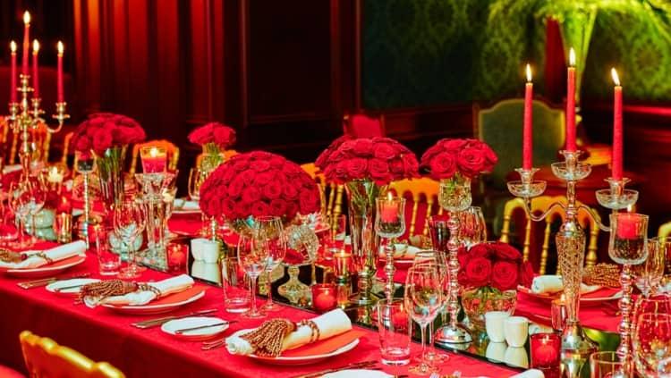 A detailed wedding dinner set up