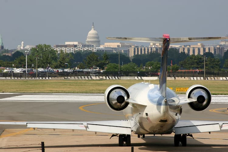 Plane at Reagan with Capitol in background