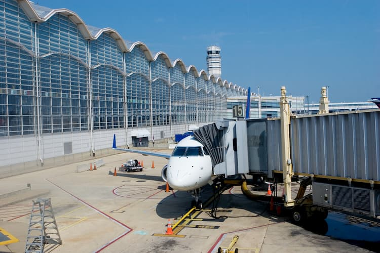 Reagan Airport terminal with plane outside